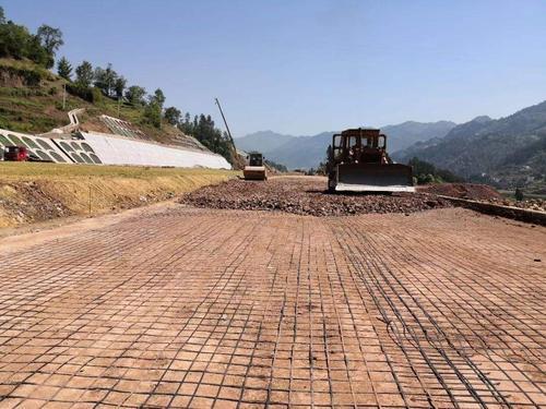 天津土工格栅解决软土地基施工问题