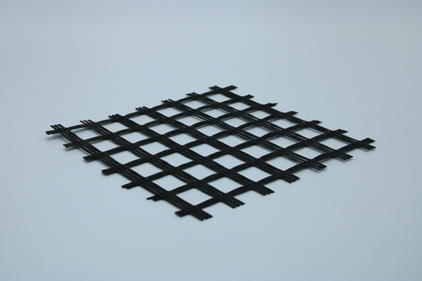 涤纶土工格栅对路基不同沉降量的过渡处理