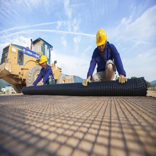 影响单向土工格栅销售的因素有哪些?