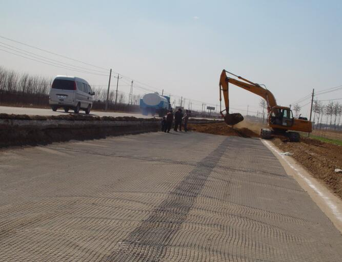 路基土工格栅施工条件