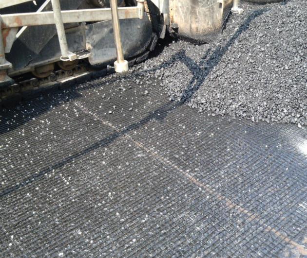 路基土工格栅施工时有哪些注意事项?